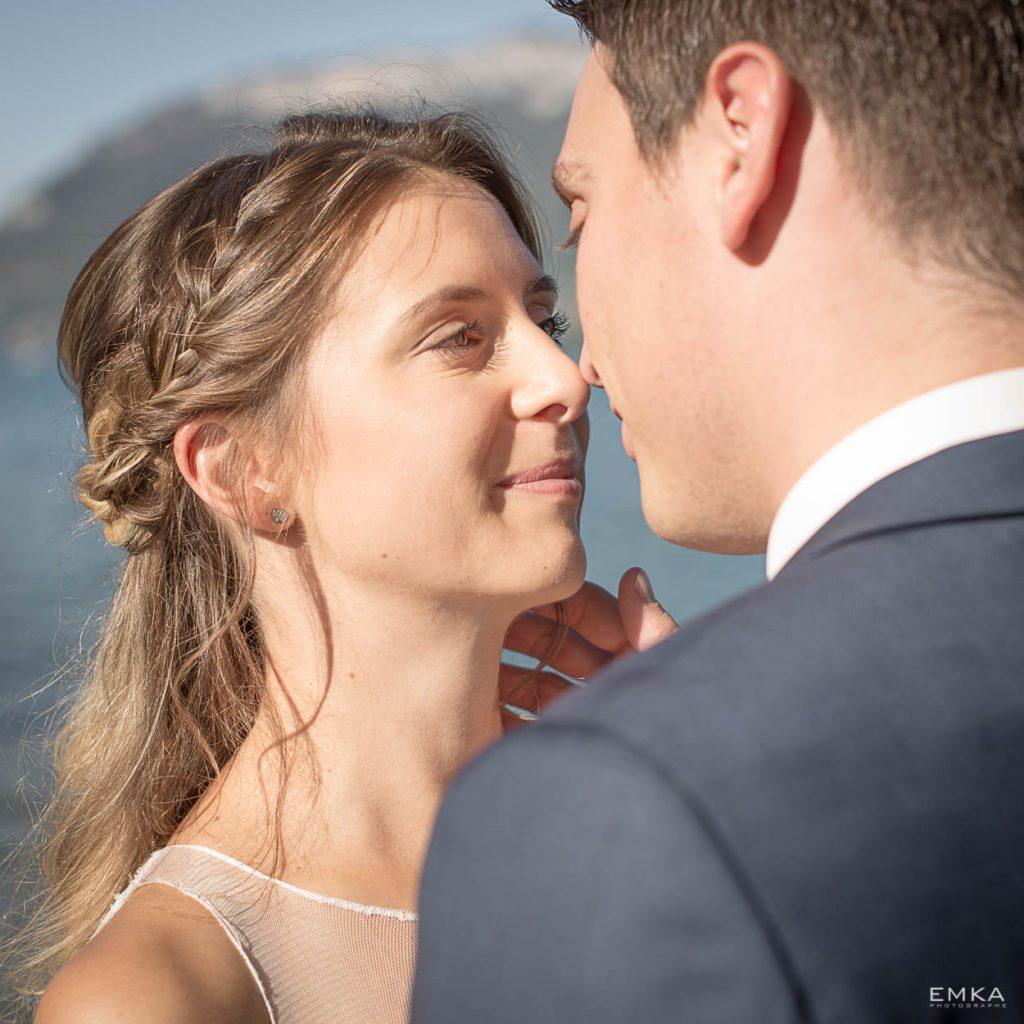 Photographe Annecy Elodie et Audric - Tête à tête au bord du lac